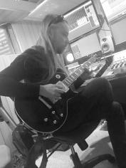 Dan-Guitar